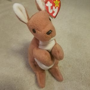 Ty Beanie Babies Pouch Hop Kangaroo 1996 with Tag